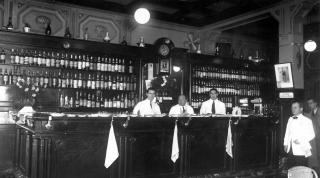 El Café Oliden, un clásico del Boulevard de San Sebastián