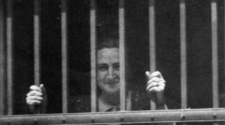 Bittori (arriba), Delia, Itziar y Tere en la cárcel de Ventas.