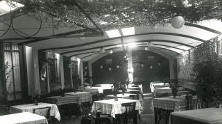 Comedor del bar Intza. Años 30-40